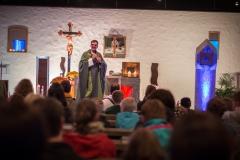 Jugendpfarrer Johannes Prestele bei der Predigt