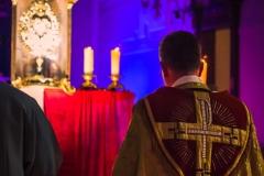 Eucharistische Anbetung bei der Nacht der Lichter