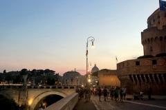 Abends am Tiber bei der Engelsburg